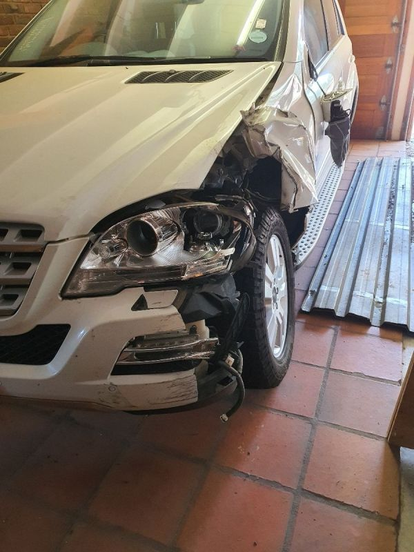 SECOND HAND PARTS FOR ML350 2011 M BENZ